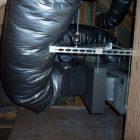 大きなダクトは300φのエアバランスモーターダンパー付きです。各部屋の風を制御します。