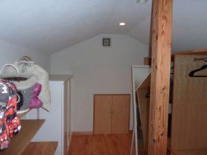 小屋裏収納:壁吹出口