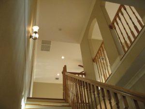 1階階段下から見上げた風景