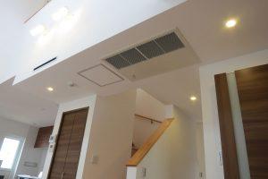 空調機は1階・2階天井ビルトイン型