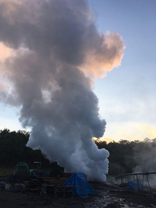 大地から出る水蒸気2