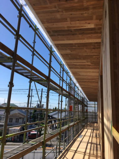岡山CLT集合住宅建築の施工状況